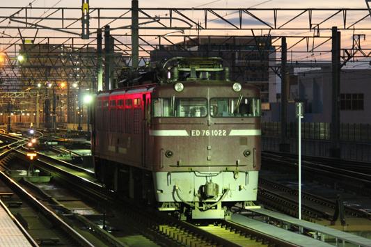 111023千早駅カモレ (18)のコピー