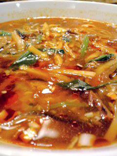 湖陽樹酸ラータン麺大