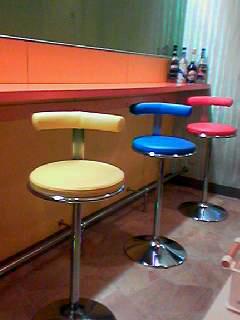 黒門の洋食屋椅子