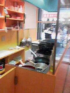 黒門の洋食屋厨房