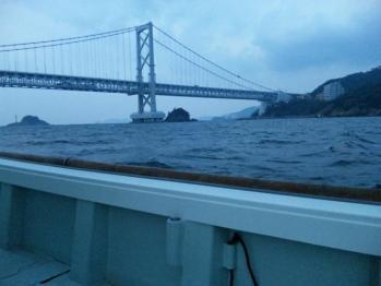 鳴門海峡大橋下