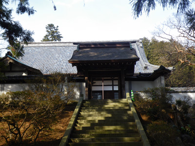鶏足寺勅使門