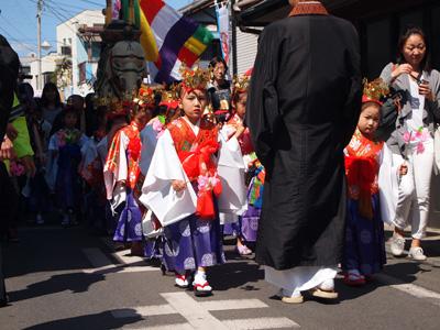 花祭り稚児行列