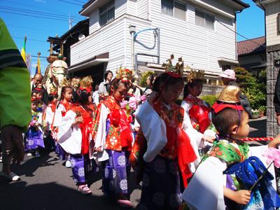 花祭り稚児行列2