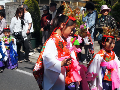 花祭り稚児行列3
