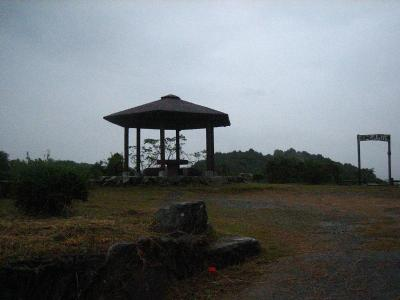 秋雨の清水路 142