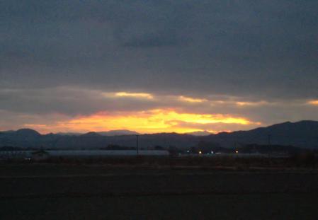 山と朝日 016
