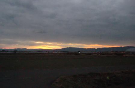 山と朝日 012