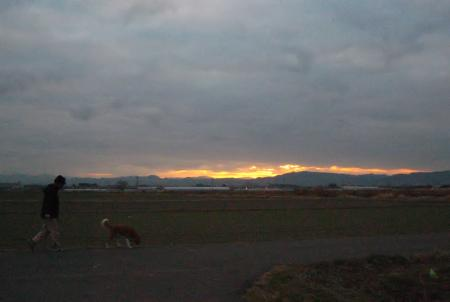 山と朝日 062