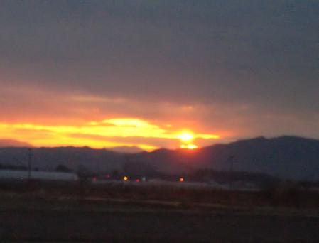 山と朝日 039