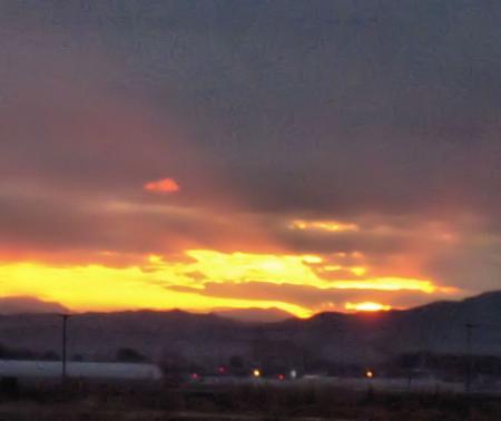 山と朝日 030