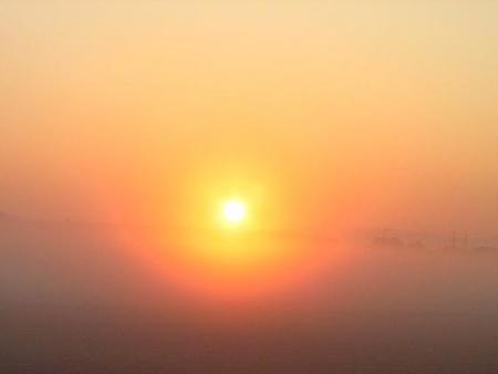 朝日が昇る 011
