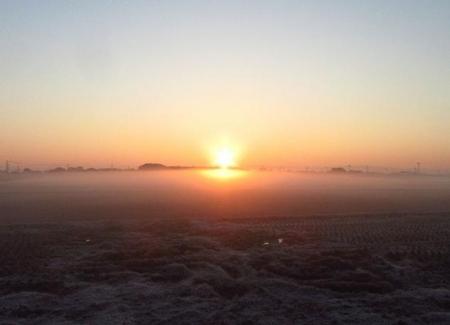 朝日が昇る 024