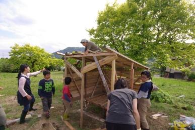 掘っ立て小屋1