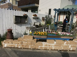 12-13お花屋さんのお庭