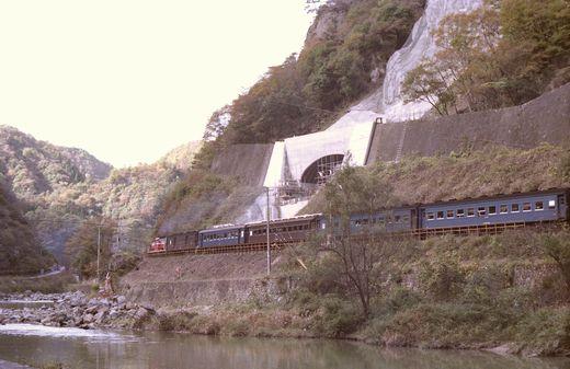 19821103福知山線・武田尾003-1