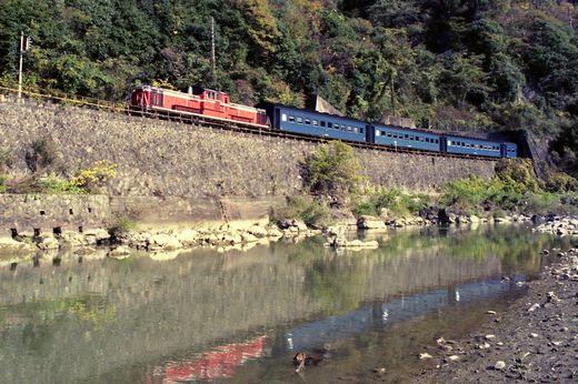19821103福知山線・武田尾010-1