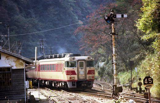 19821103福知山線・武田尾009-1