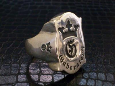 Shield_G_and_Crown_ring-005.jpg
