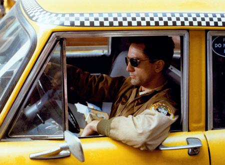 タクシーで街を流すトラヴィス