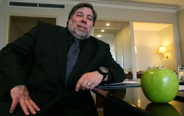 steve-wozniak-apple-office.jpg