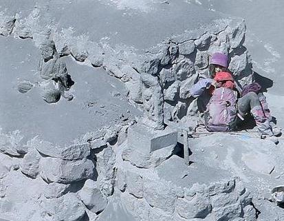 御嶽噴火の遺体映像