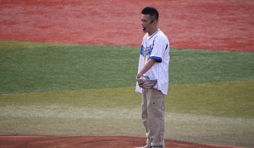 柳沢慎吾の始球式