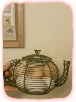 2012.4.17.ワイヤーポットと卵