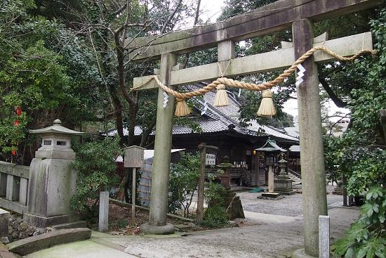 石浦神社4 横から入る