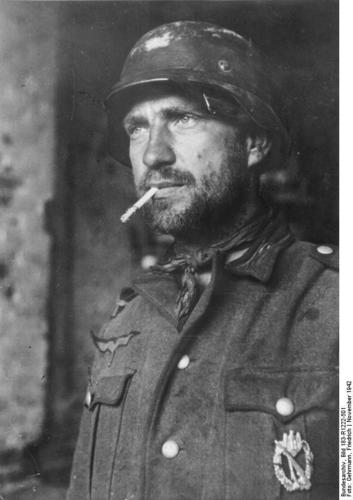 German soldier in Stalingrad_ Russia_ Nov 1942
