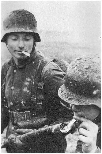 funny-pictures-german-soldiers-second-world-war-004.jpg