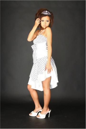 ドット柄ベアアシンメトリー ショートドレス