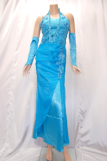 レースのホルターネック ロングドレス