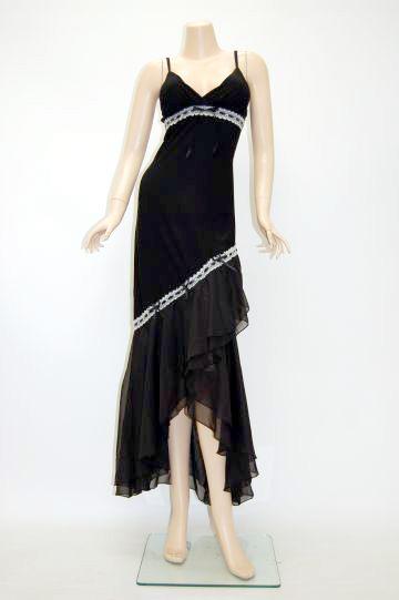 ロマンティックロングドレス