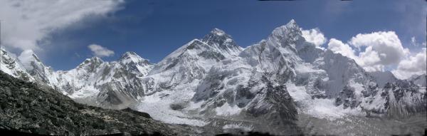 山口 武氏撮影 ネパールからのエベレスト入山料2.5万ドル/人 7人以上は1万ドル/人