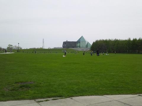 ガラスのピラミッドが見えるよ(2013.05.19)