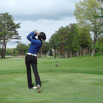 鳴沢ゴルフ倶楽部さんでラウンドしてきました
