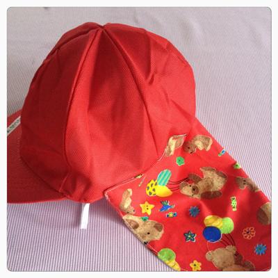 ハンドメイド雑貨 垂れつき赤白帽子