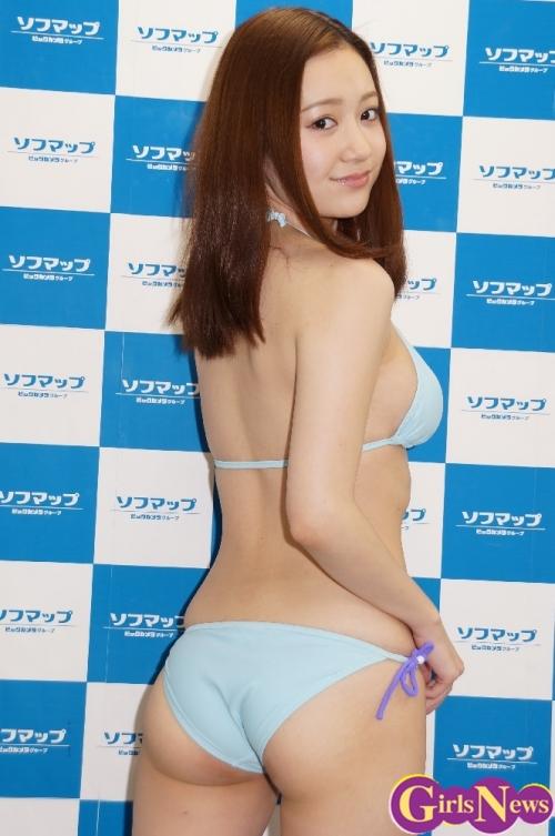 【グラビア】Gカップのマシュマロおっぱいと桃尻…パーフェクトボディの葉月ゆめ(21) 最新DVDをPR