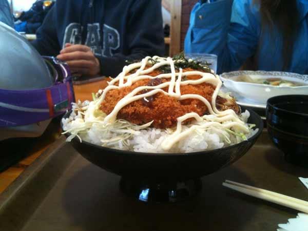 テングデカ盛りソースカツ丼001