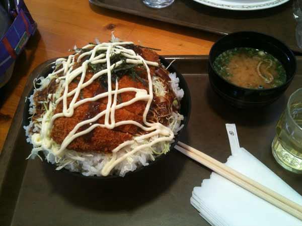 テングデカ盛りソースカツ丼002