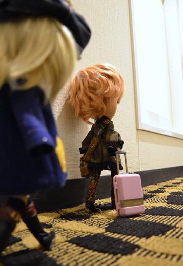 荷物おもたーい。