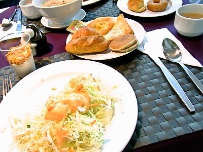 bangkok_003_01_breakfast.jpg