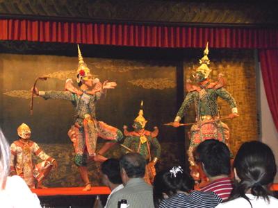 bangkok_003_10_dance.jpg
