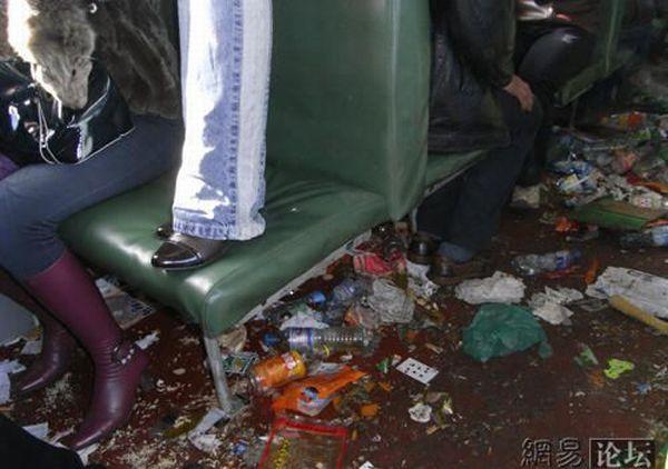 中国の電車 ゴミ