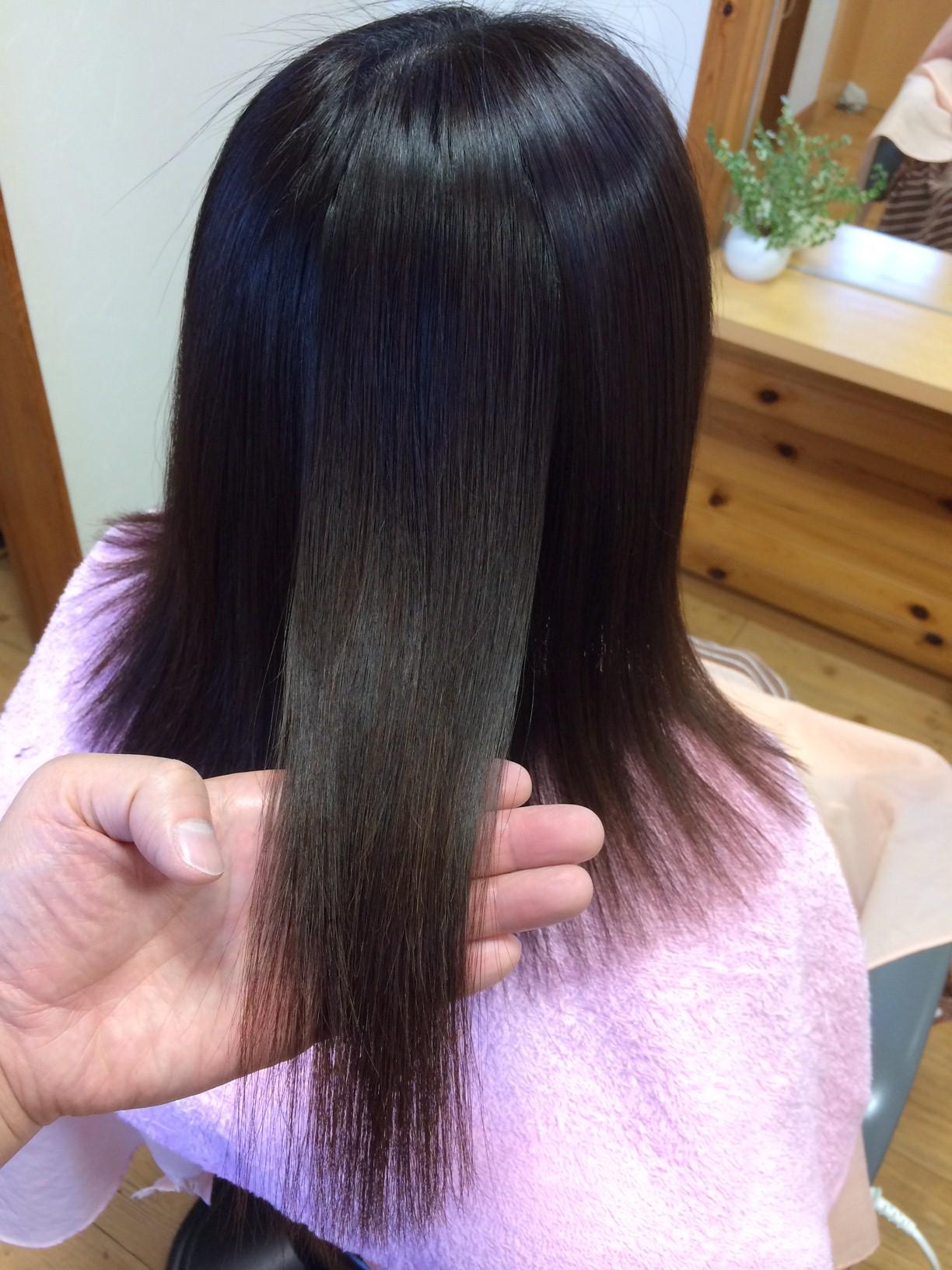 自然な風合いの縮毛矯正の自然なツヤ