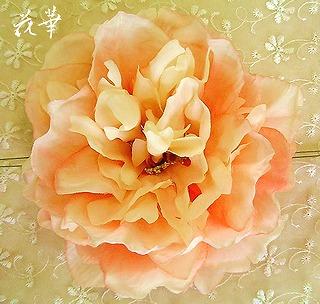 大輪の薔薇のヘッドコサージュ(アートフラワー)