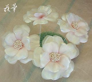 白いウエディングドレスに合わせる薔薇のコサージュ&髪飾り(ヘッドコサージュ)・制作開始・その3