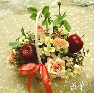 インテリア・アートフラワー(上質造花)のボンネット篭アレンジメント・生徒さん作品