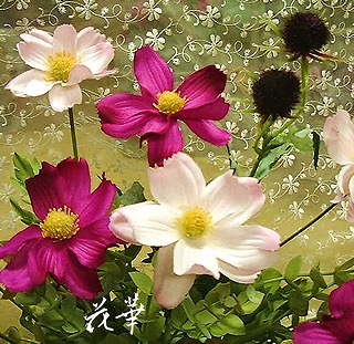 キャンドルスタンドにコスモスとエリンジウムのアレンジメント(インテリア・アートフラワー・上質造花)・生徒さん作品